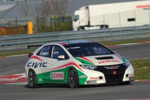 Honda_unveils_Castrol_as_its_title_WTCC_sponsor