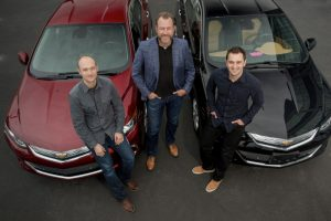 general-motors-dan-ammann-center-with-lyfts-john-zimmer-right-and-logan-green-left_100539659_l